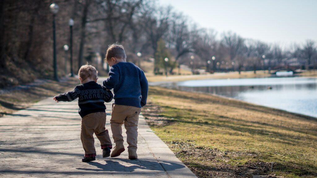 children-walk